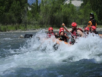 Rafting in Ara River, Ordesa, Rough Waters