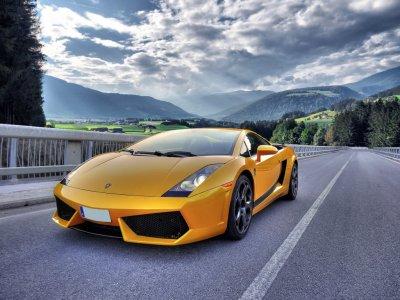 Driving a Lamborghini in Madrid 12 miles