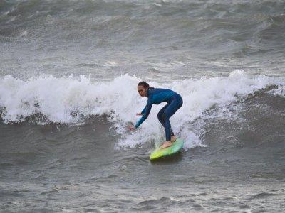 Surfing equipment rental Mazarrón 2hrs