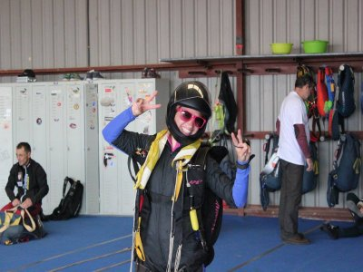 Wind tunnel + skydiving level 1; Madrid