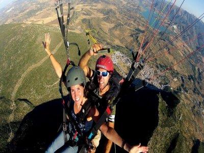 Paragliding over Sierra de Algodonales 30 minutes
