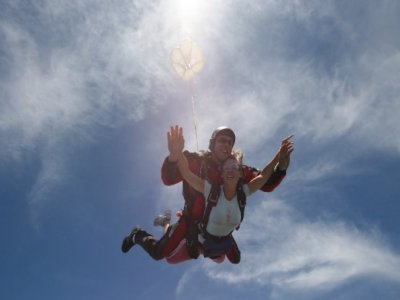 Parachuting tandem jump in Cadiz