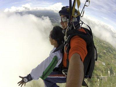 Tandem paragliding flight + DVD in Cádiz