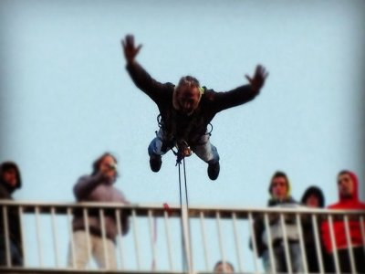 Bungee jumping in Cádiz, 2 leas + photo reportage