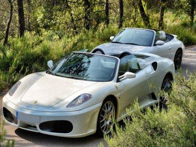 Drive a Ferrari F430 and a Porsche. Valencia 40km