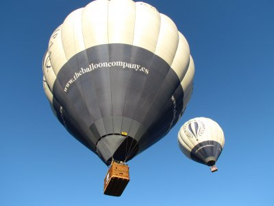 Hot air balloon in Segovia for two people
