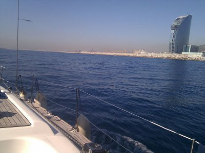 Sailboat trip for companies from Barcelona