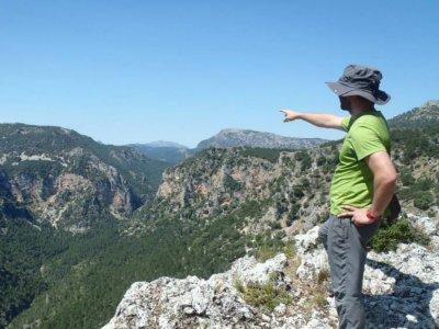 Trekking route through Ruta de las Mentiras