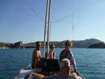 Sailing boat tour in La Fuensanta reservoir