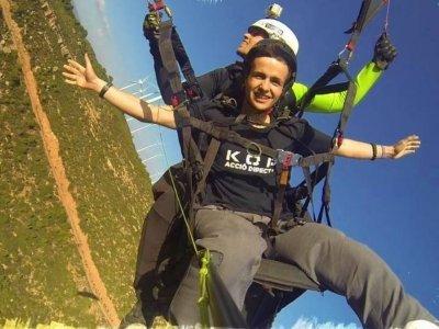 30 min acrobatic paragliding in Igualada