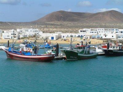 Catamaran ride in La Graciosa - children