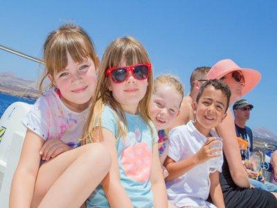 Family Boat trip around Papagayo-children