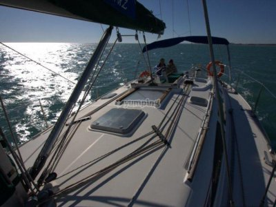 Navigate on a sailing boat in Alicante + 2 nights