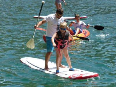 Scholar trip to Cuenca with canoes and paddle surf