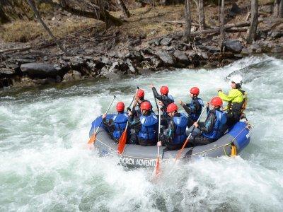 3 miles white water rafting in Llavorsi, children