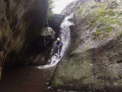 Canyoning for beginners in Estarón