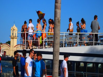 Paintball + Catamaran boat party in Gandía Beach