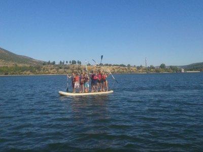 Team building in Lozoya: canoeing and SUP