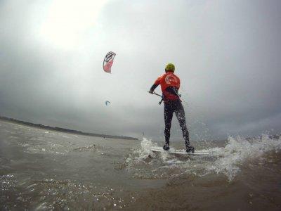 Kitesurfing begginer lesson in Norfolk