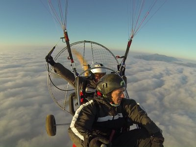 Paramotor in the Valle de Cofrentes 25 minutes