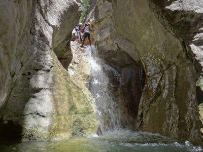 Canyoning experience in Tajo Bermejo