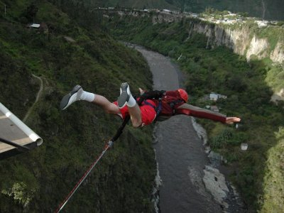 Bungee jumping, Villanueva Bridge, 130ft