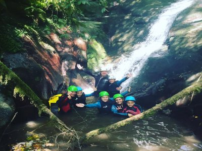 Canyoning families for initiation Basque Country