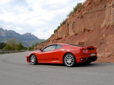 Drive a Ferrari F430 in Barcelona for 15 km