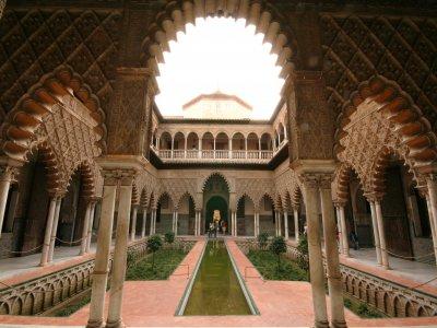 Islamic Seville route + Alcázar Ticket Adults