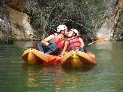 Guided kayak route in La Fuensanta reservoir