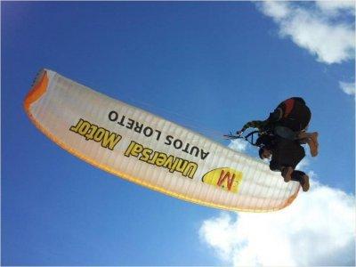 Cádiz paragliding flight for bachelor parties