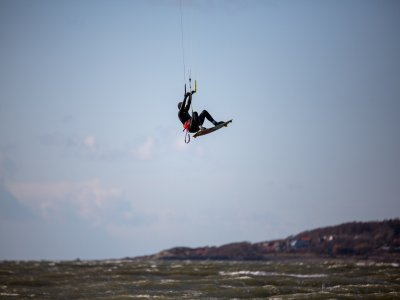 Private Kitesurfing Session in Poole for 2 h
