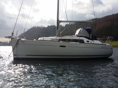 Luxury Yacht sailing Windermere 4 hours