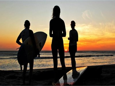 Private Surfer lesson at Newquay sunset