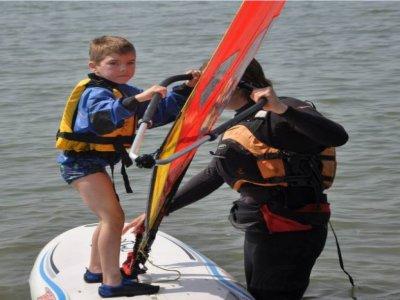 Windsurf course for kids in Dorset