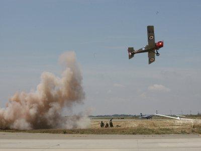 Pilot a First World War aircraft replica, Lleida
