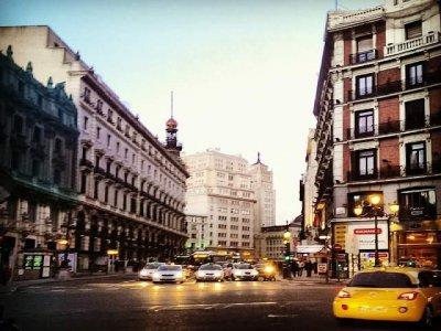 2h Madrid crimes city tour