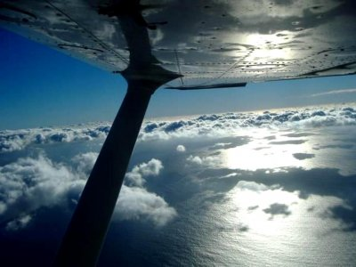 Fly a light aircraft in Cádiz, 45 minutes