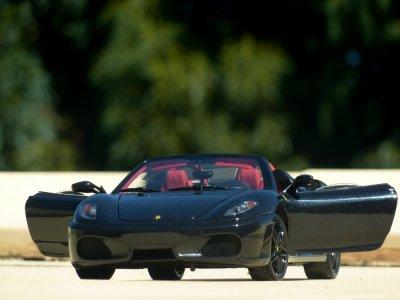 14km Ferrari and Porsche driving ride in Cantabria