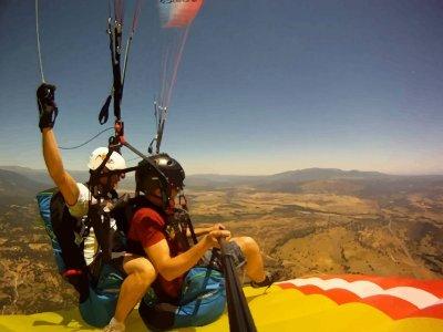 Stag/hen party paragliding in La Muela