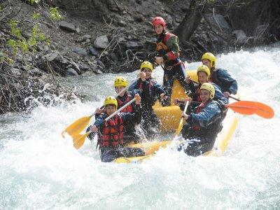 Rafting Llavorsí-Sort 18 km and dam jump