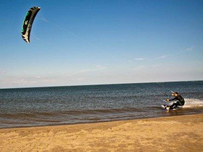 2 Hour KiteSurfing Taster Session, Greatstone Kent
