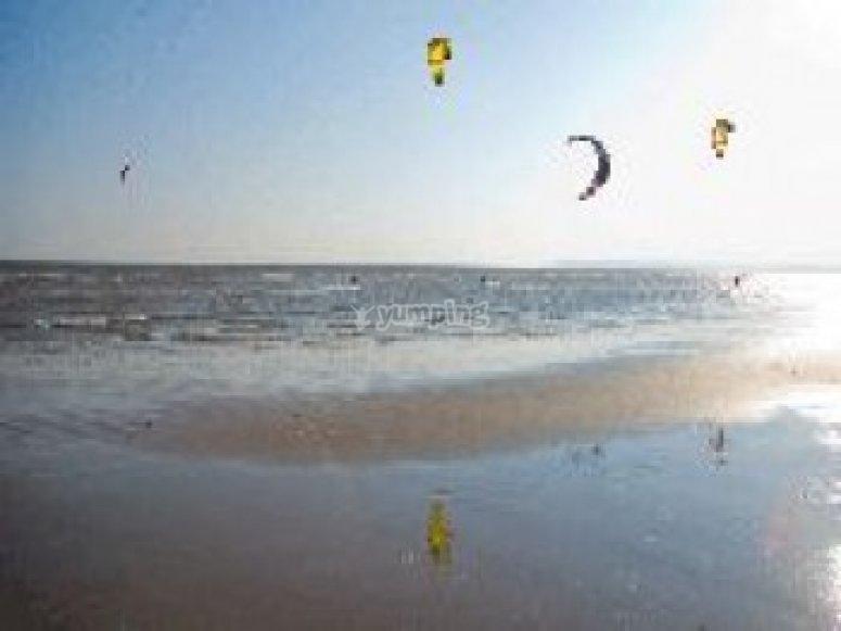Kitesurfing along the coast