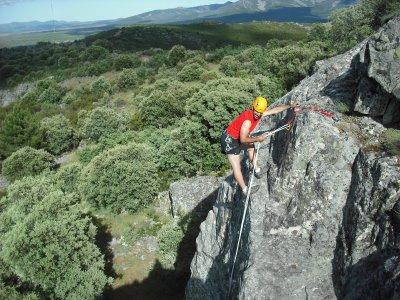 Abseiling or zip-line in Valle de Las Batuecas