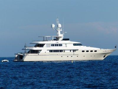 Enjoys Charter Paseos en Barco