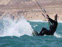 Learning to kitesurf