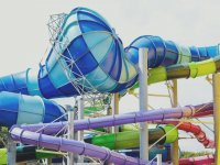 Visit our facilities in Alpamare Scarborough Water Park!