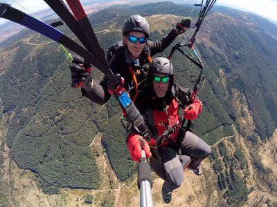 Paragliding in the high mountain close to Madrid