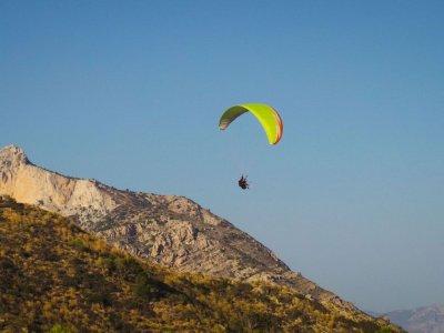 Paragliding flight in Cádiz