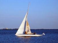 Managing the sails